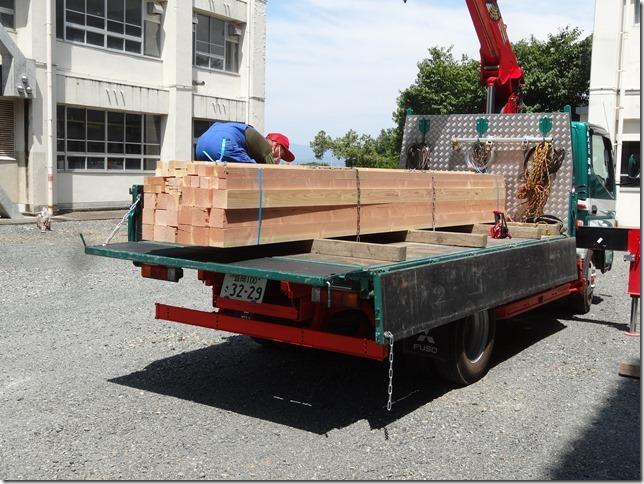 ④ (建築・デザイン科)木材