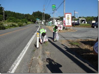 沿道のゴミ拾い