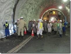 H27_281号案内トンネル02