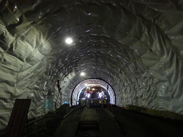 H27_281号案内トンネル01