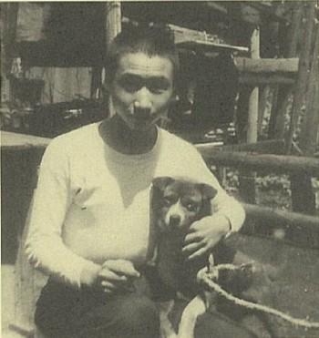 私が子どもの頃、家で飼っていた犬は、不思議なことにウメ太郎にそっくりでした