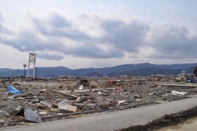 陸側から高田松原方面